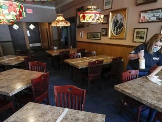 Alcalde de NY impone toque de queda a gimnasios, bares y restaurantes ante rebrote de coronavirus