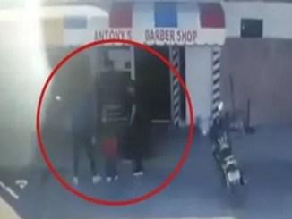 Lo asesinan frente a una barbería con niños presentes #VIDEO