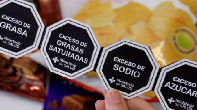 Buscan que etiquetado de alimentos se incluya en publicidad