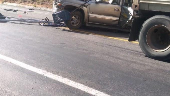 Camión de aguacateros choca con pipa en la Autopista Siglo XXI de Michoacán #VIDEO