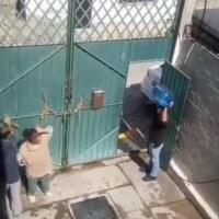 ¡Indignante! Sujeto golpea e insulta a su madre, en Ixtapaluca #VIDEO