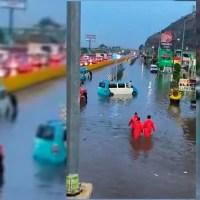 Tras lluvias, amanece inundada la autopista México-Puebla  #VIDEOS