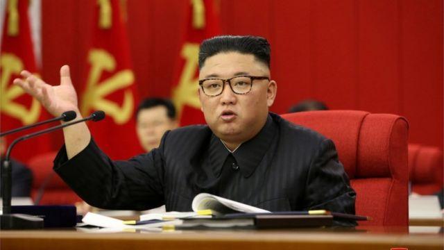 """Corea del Norte debe prepararse para """"diálogo y confrontación"""" con EU: Kim Jong Un"""