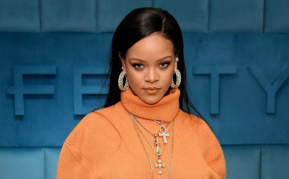 Rihanna se convierte oficialmente en multimillonaria y la cantante femenina más rica
