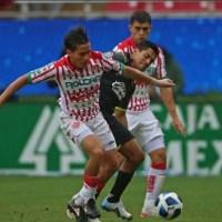Cofece multa a 17 clubes de futbol mexicano por imponer tope salarial a la Femenil