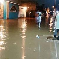 Lluvias provocan inundaciones y dejan afectaciones en zonas de CDMX