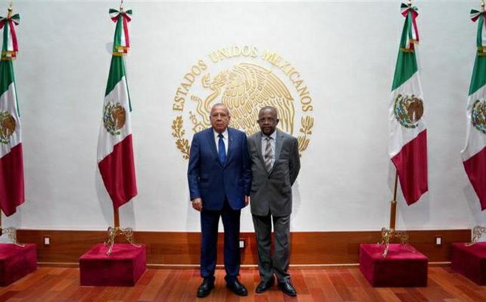 México y Haití establecen mesa de diálogo para atender migración