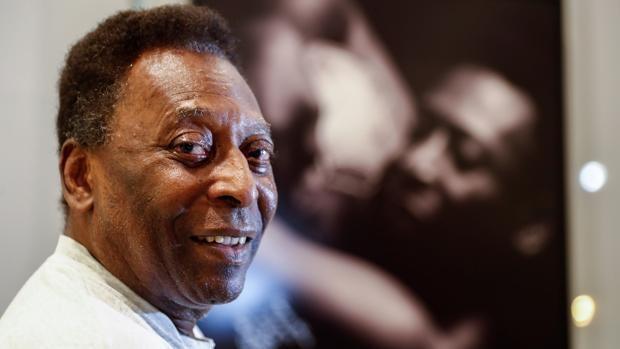 Pelé regresa a terapia intensiva por operación de colón