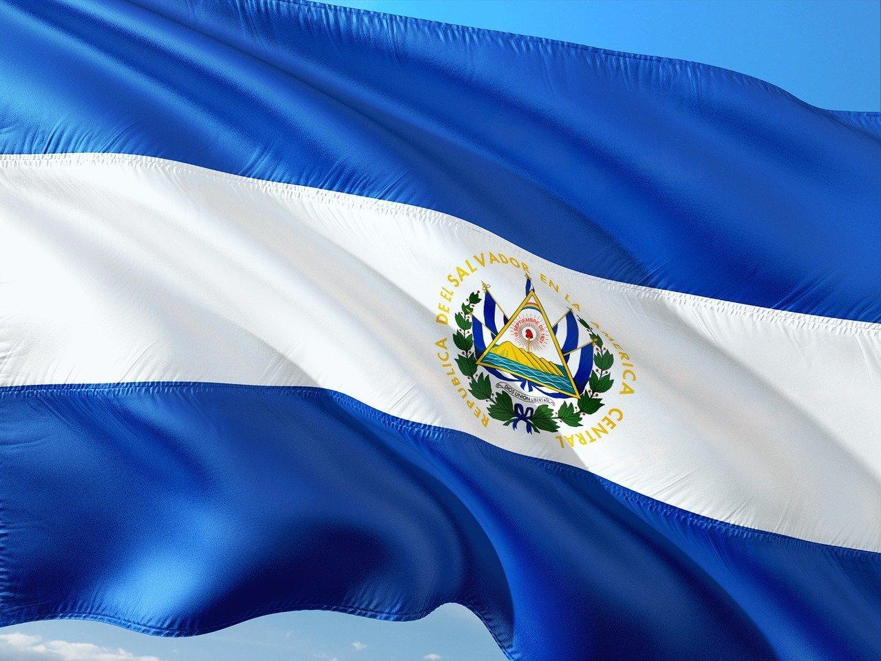 Tres millones de salvadoreños ya están usando la billetera Chivo