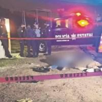 Militar asesina a 3 asaltantes en combi y pasajeros los arrojan