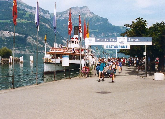 https://i1.wp.com/www.paddlesteamers.info/LAKE%20LUCERNE/Fluelen.jpg