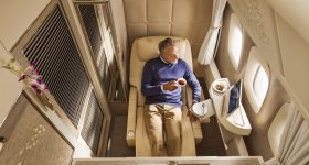 IN PICTURES: Emirates Unveils Stunning New First Class Suite - Orders 40 Boeing 787-10's