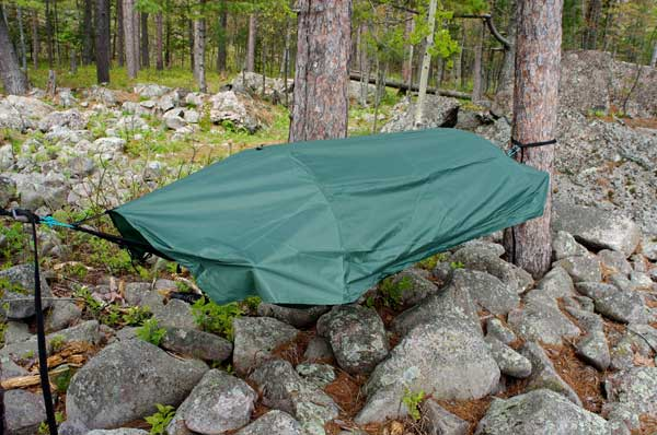 hammock with rainfly in the woods lawson hammock u0027s blue ridge creek camping hammock review      rh   paddlinglight