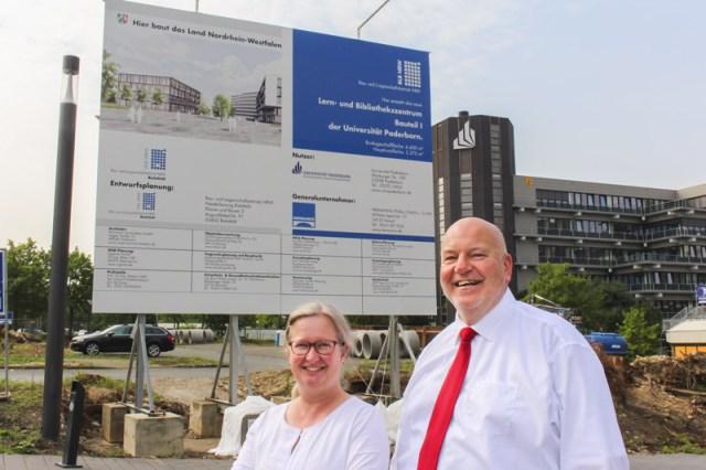 Eröffnung der Baustelle am Haupteingang der Uni Paderborn