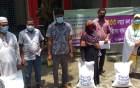 মোহনপুরে ৩৩৩ ফোন করে খাদ্য সামগ্রী পেলেন ৫০ জন