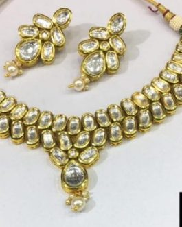 kundan necklace with pearls colour
