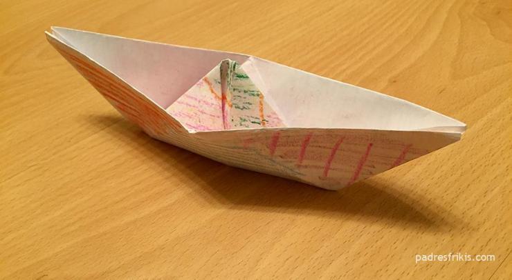 Barco de papel terminado