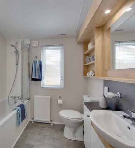 Pinehurst Lodge Bathroom