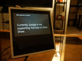 An Echo Show displaying an Alert that Youtube is inaccessible