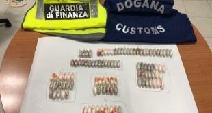 Napoli – Arrestato narcotrafficante all'Aeroporto di Capodichino: aveva 112 ovuli di cocaina ed eroina nell'addome