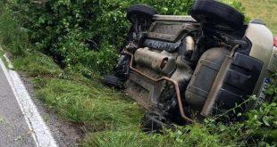 Pietramelara – Incidente lungo via Pantani, nel canale con l'auto: coppia ferita