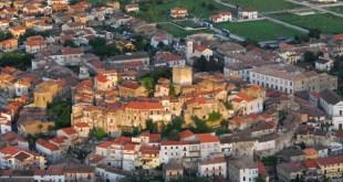 Pietramelara – Centro storico in pericolo, inserito nella lista rossa di Italianostra. La soluzione: albergo diffuso