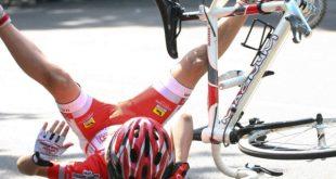 Piedimonte Matese / Maddaloni – Paura al Giro d'Italia donne, rovinosa caduta della maglia rosa: ricoverata a Piedimonte Matese
