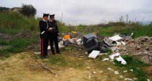 Caserta – Masseria Ferrara come discarica abusiva di rifiuti, il blitz dei Carabinieri