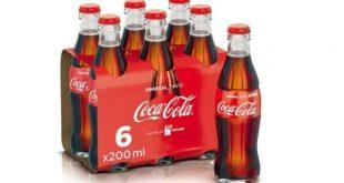 IL RICHIAMO – Filamenti di vetro nelle bottiglie, maxi richiamo della Coca Cola: non bere quei lotti