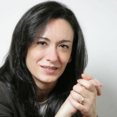 Alvignano mondragone nugnes si dimette di costanzo for Daniela costanzo