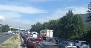 San Vittore / Caianello / Mignano Montelungo – Schianto in Autostrada, uomo incastrato nell'abitacolo: traffico bloccato da un'ora