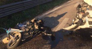 Castel Volturno – Auto contro moto: due giovani morti