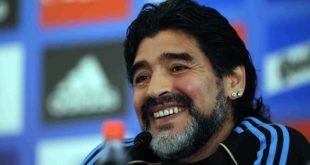 NAPOLI – Calcio, Diego Armando Maradona: il triplice fischio finale mette fine alla vita dell'uomo ma il mito sopravviverà