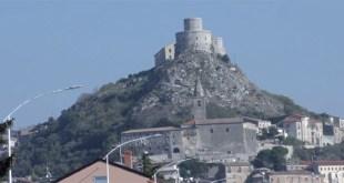 Montesarchio – La tragica storia d'amore di Maria d'Avalos, Rosso Immaginario, il Cratere di Assteas e l'antico castello (il video)