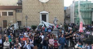 """ALIFE –  Di Tommaso presenta la sua lista, ma la piazza resta deserta: la politica di """"famiglia"""" non attira"""