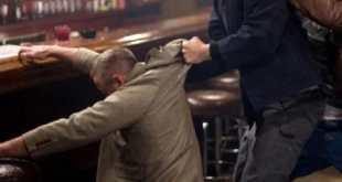 Maddaloni – Follia in un locale della città, aggrediti e feriti il proprietario e alcuni clienti