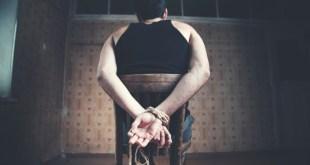 Casal di Principe / Castel Volturno – Tentarono di convincerli a ritrattare le dichiarazioni rese circa un sequestro di persona a scopo di estorsione: 5 arresti