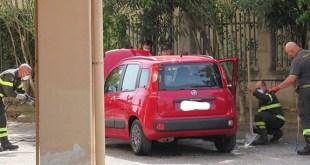 Vairano Patenora – Serpente in un'auto, cinque pompieri in via Menotti
