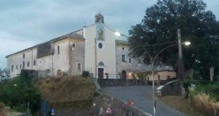 """TORA E PICCILLI – Convento di Sant'Antonio, fra """"strani"""" lavori e indignazione popolare. Il silenzio dell'amministrazione comunale"""