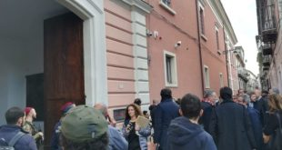Santa Maria Capua Vetere – Fuga di gas, paura nel nuovo Tribunale: evacuato