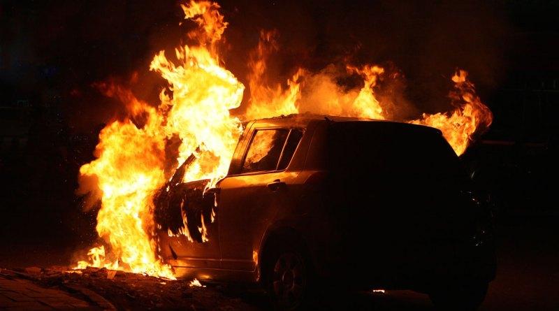 Πιθανός εμπρησμός αυτοκινήτου στην Κισσόνεργα