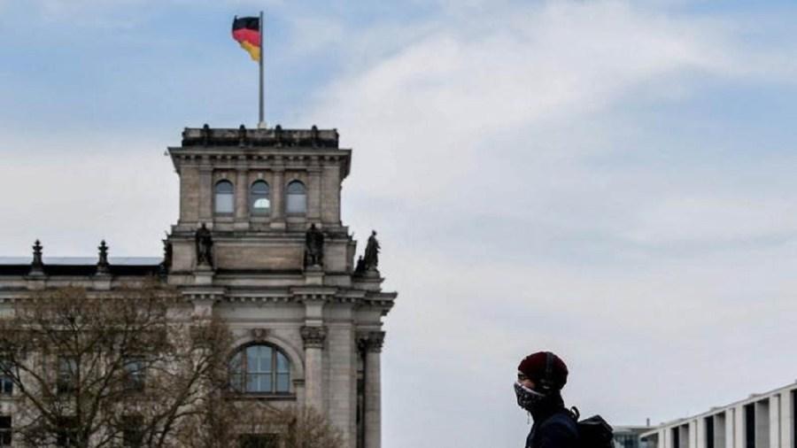 «Kurzarbeit» από την Κυβέρνηση: Έρχεται μείωση ωραρίου και μισθών κατά 50%