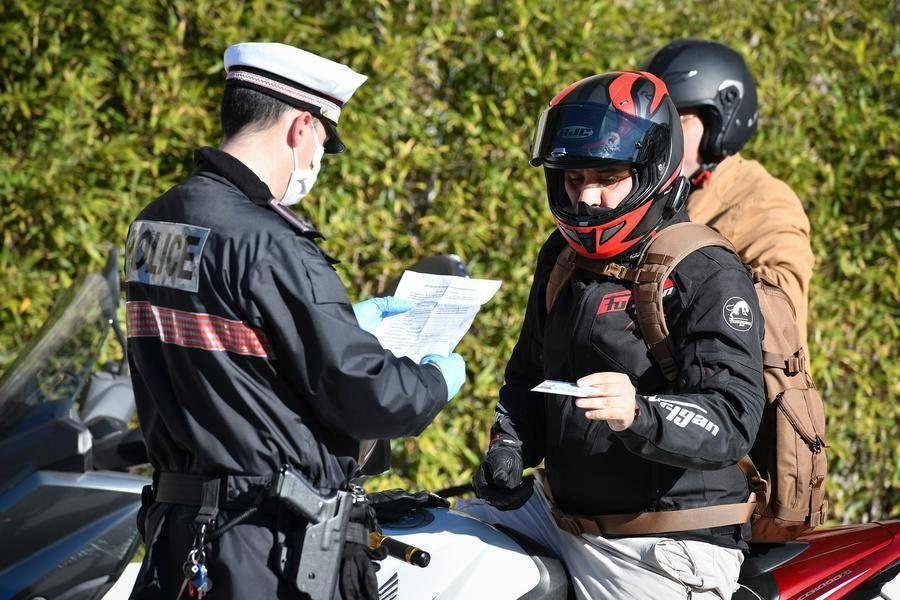 La raison des contrôles policiers malgré le déconfinement