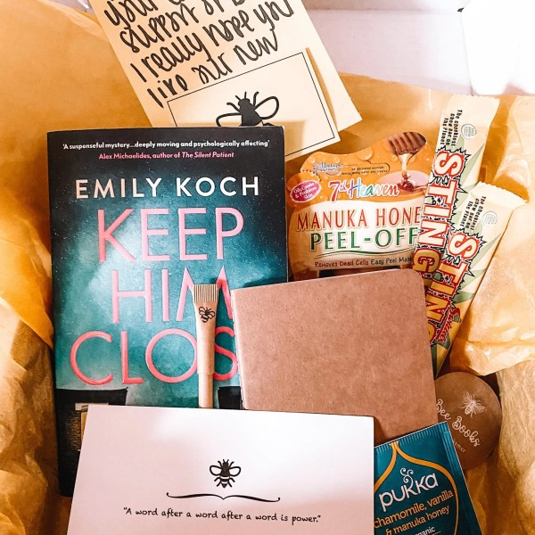 A New Bookish Box: 'The Bee Box'