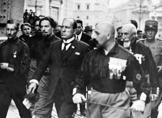 Marcia su Roma, Mussolini con i quadrumviri alla Porta del Popolo