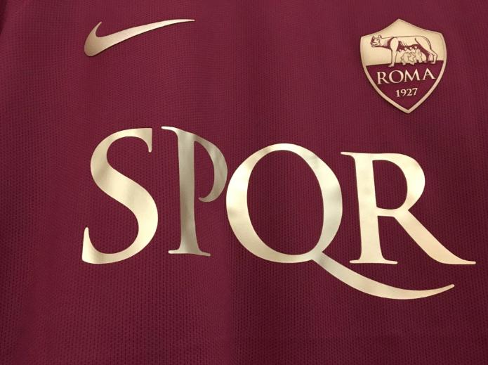 Raggi, Spqr su maglie Roma? Sigla libera