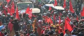 प्रधानमन्त्री केपी ओलीको कदमको विरुद्ध प्रचण्ड र नेपाल समूहको प्रदर्शन