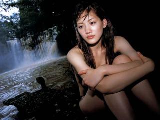 綾瀬はるかヌード入浴シーンでおっぱいポロリエロお宝画像12