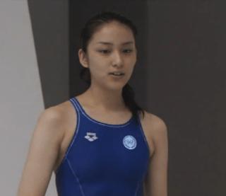 武井咲競泳水着エロお宝画像emi4