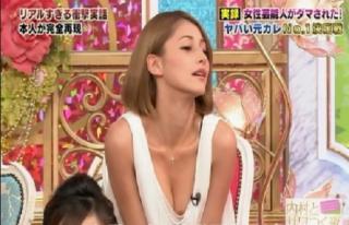 ダレノガレ明美おっぱいがポロリして乳首が写った放送事故エロ画像3